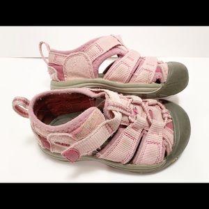 Girls keen sandals size 7